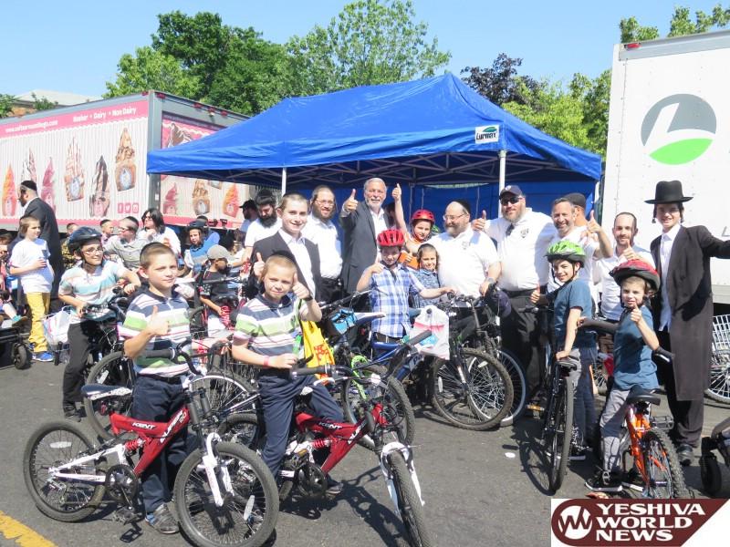 Photo Essay: Annual Bike Registration By Boro Park Shomrim (Photos by JDN)