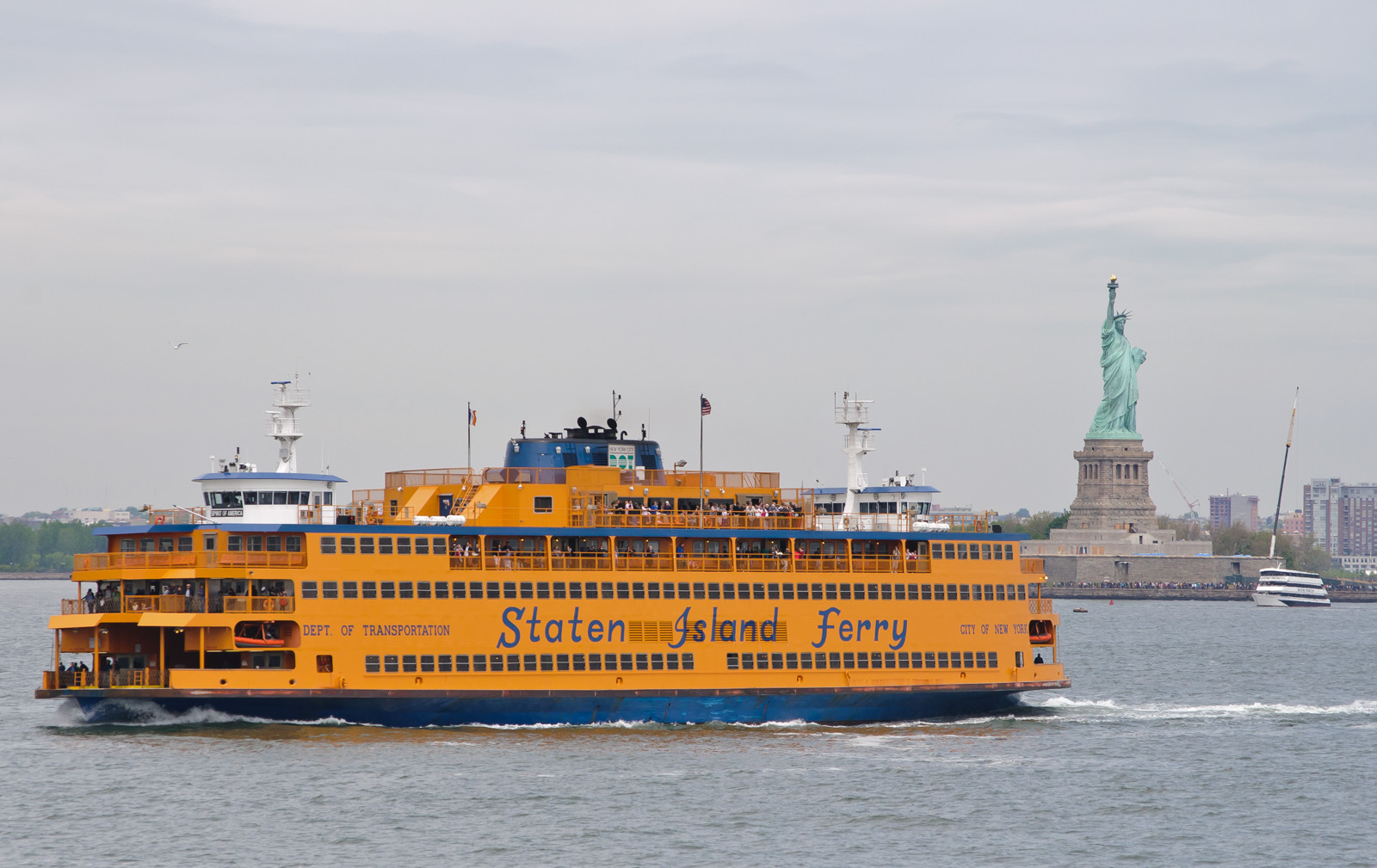 NYC To Install Ferry USB Ports; Fights Prompted Power Cutoff