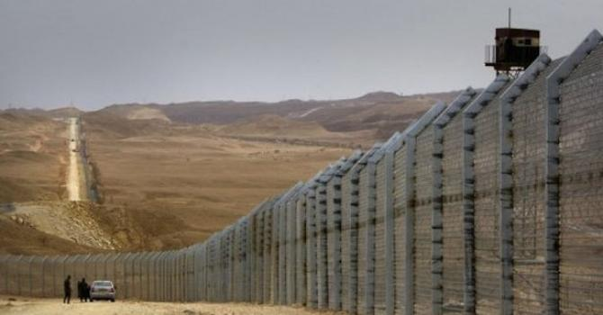 VIDEO: A Look At The Construction Of The Border Fence To Jordan
