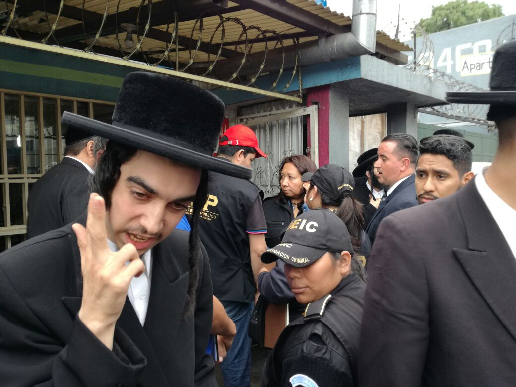 Guatemalan Authorities Raid 'Lev Tahor Cult' Compound And Take All Children Away From Parents