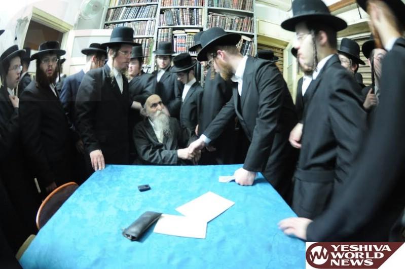 Photo Essay: Hagaon HaRav Dovid Soloveichik Farhering Talmidim Of Yeshivah Gedolah Satmar (Photos by JDN)