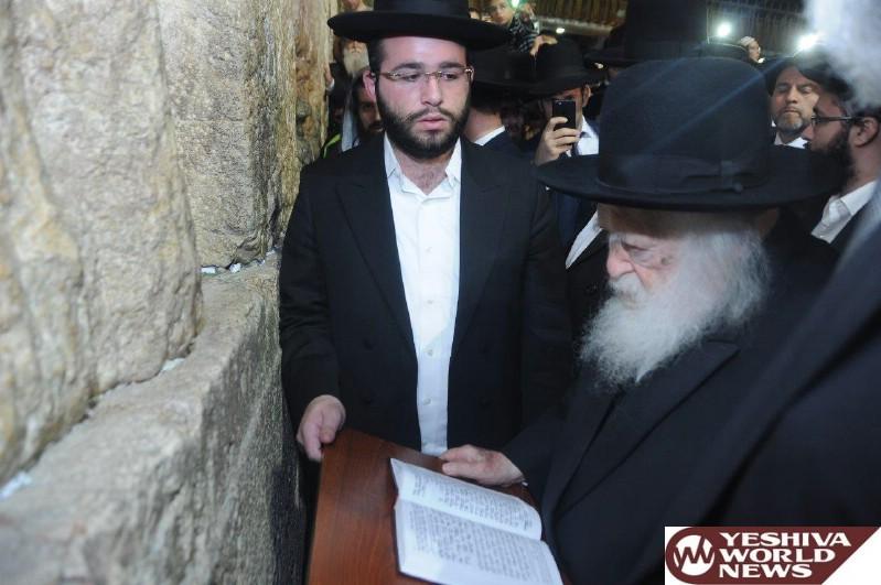 Photo Essay: Hagaon HaRav Chaim Kanievsky At The Kosel On Chol Hamoed Sukkos 5777 (Photos by Shmiel Drei - JDN)