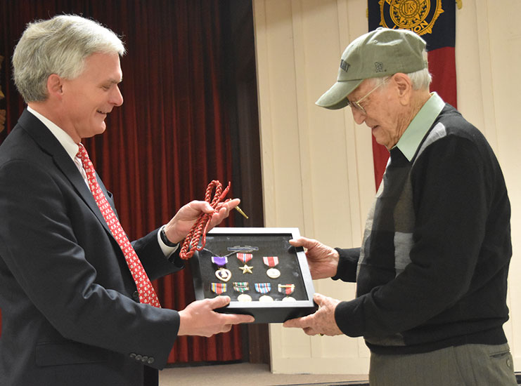 95-Year-Old WWII Vet Gets Bronze Star, Other Overdue Medals