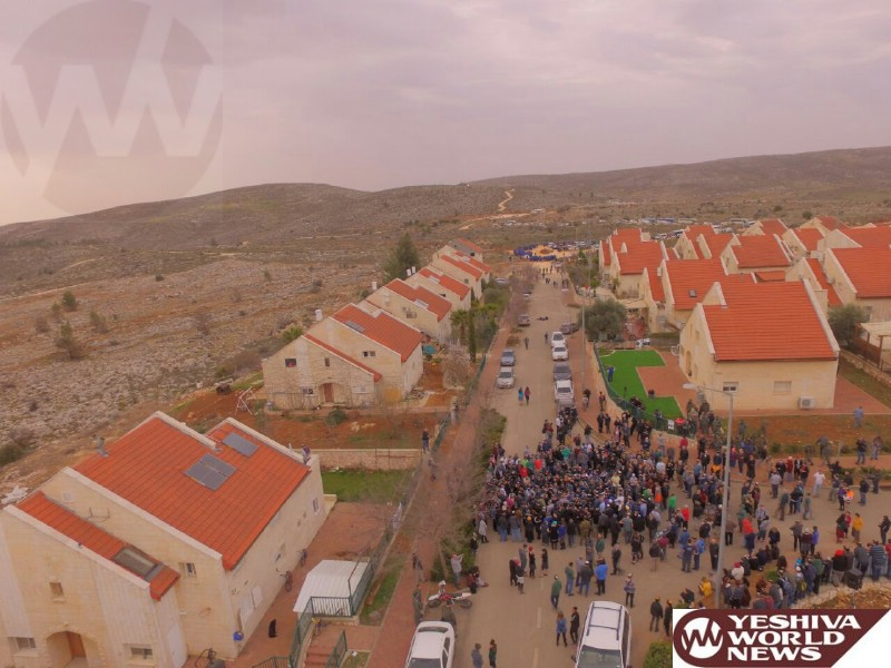 VIDEOS/PHOTOS: The Scene In Yishuv Ofra Tuesday AM As The Eviction Gets Underway