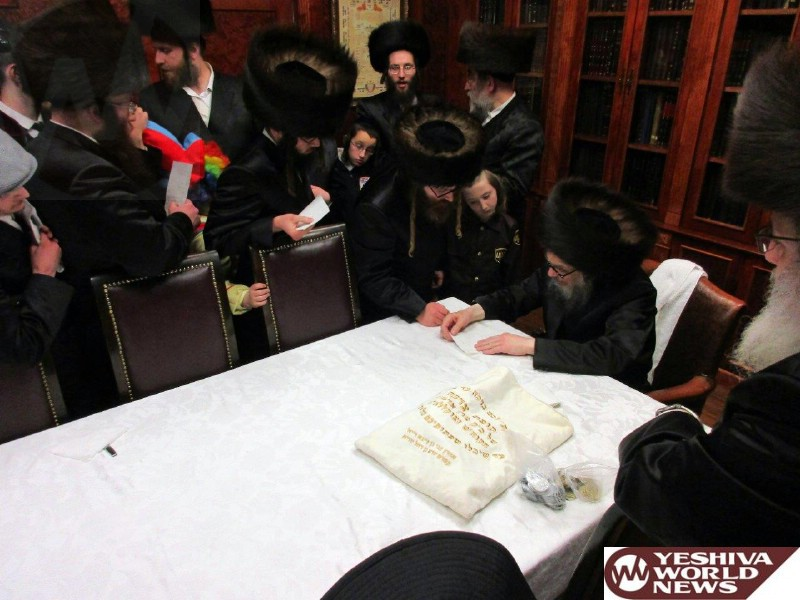 essay about purim The story of purim really the story starts, really, with the death of achashveirosh i, king of the medes he was a vassal-ally of nevuchadneztzar, had helped nevuchadnetzar conquer.