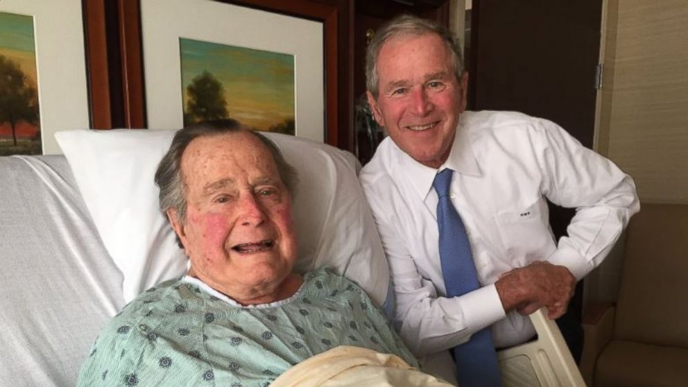 PHOTO: Hospitalized George H.W. Bush Gets 'Big Morale Boost'