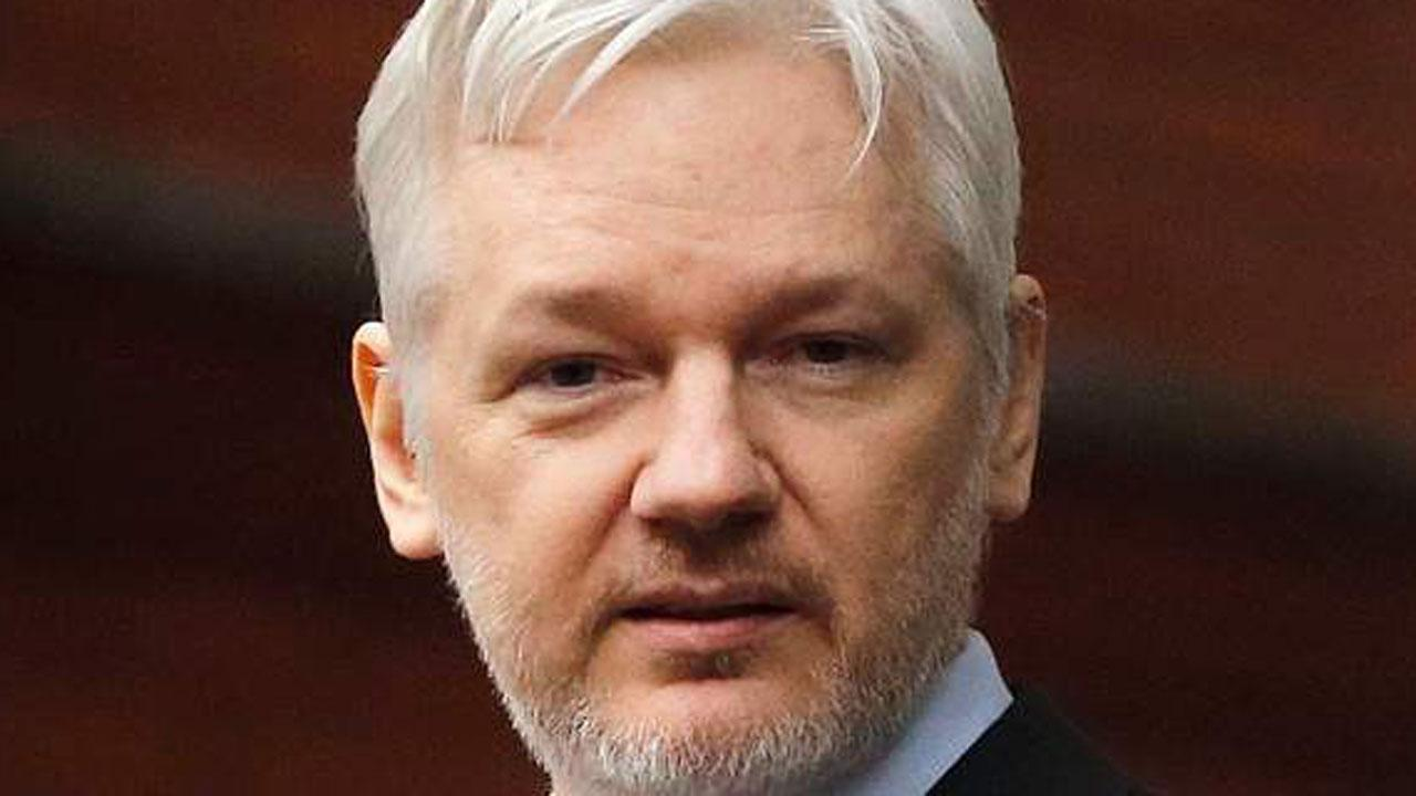 US Authorities Debating Charges Against Assange