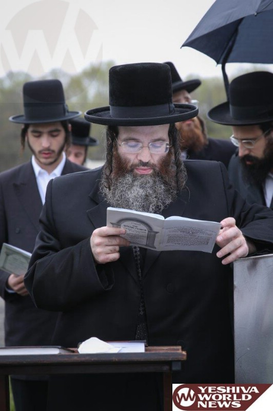 Photo Essay: Yahrtzeit Of The Beled Rov Marked By His Son The Beled Rov (Photos by JDN)