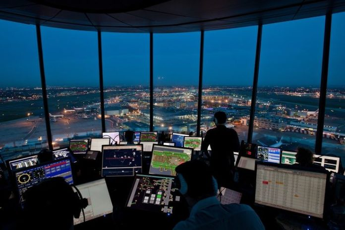 Trump seeks to privatize US air traffic control system