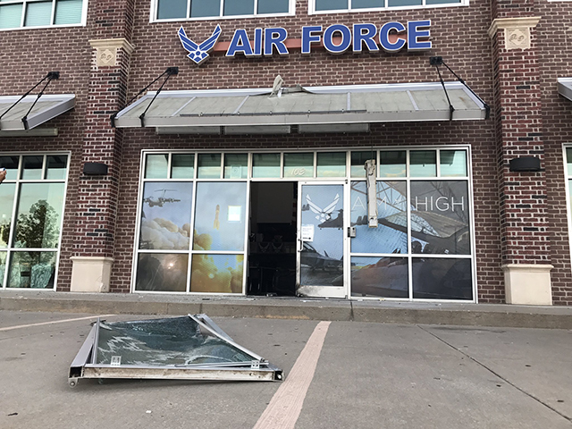Pipe bomb explodes near Oklahoma Air Force recruitment center