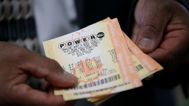 Powerball victor fights for privacy in NH