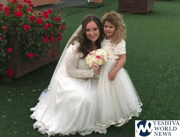Jet Crew Helps Young Girl With Cancer Attend Cousin's Wedding In
