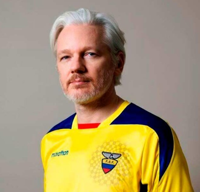 Ecuador confirms it granted citizenship to Assange