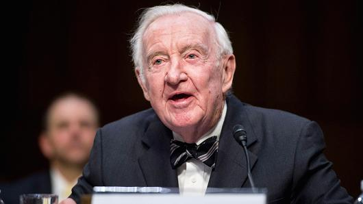 john paul stevens us supreme court justice John paul stevens was an associate justice of the united states supreme court between december 19, 1975 and his retirement in june 29, 2010 upon his retirement, john paul stevens was the oldest member of the supreme court and the third-longest serving associate justice in the history of the court.