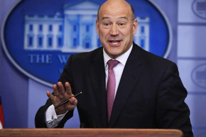 Trump's Top Economic Adviser Announces Resignation