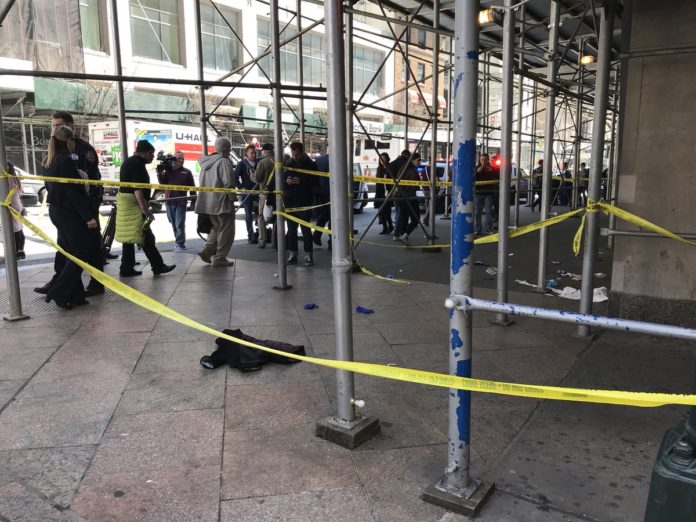 Orthodox Jew Stabbed Multiple Times in Midtown NYC