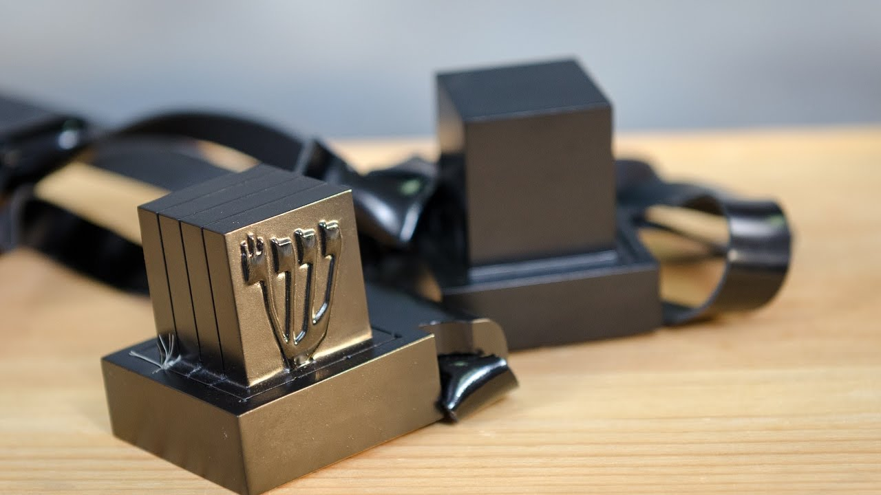 STUDY: Wearing Tefillin May Reduce Risk of Heart Attacks