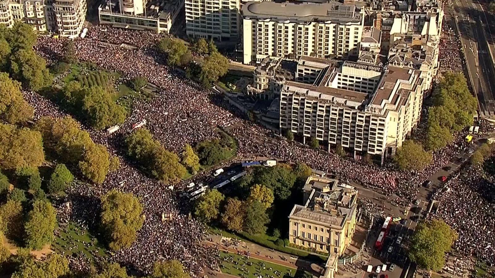 Video Hundreds Of Thousands March In London Demanding New