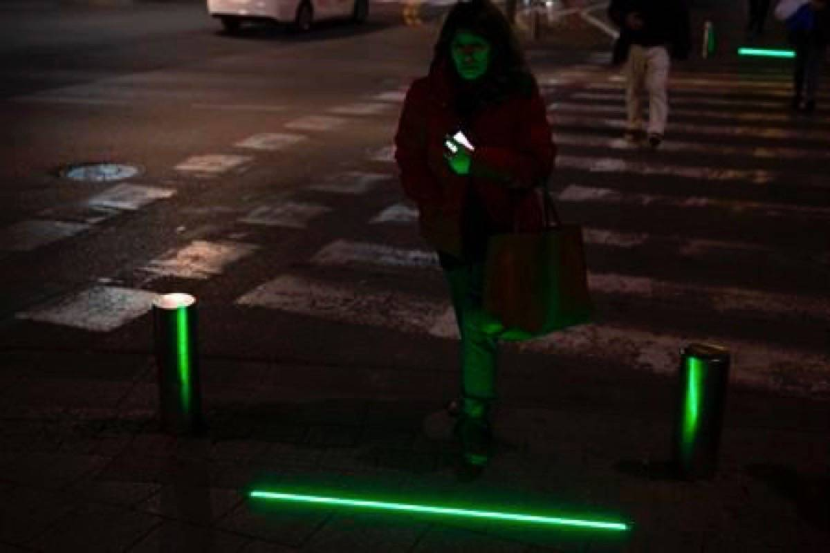 Tel Aviv Deploys Zombie Lights For Cell Phone Obsessed